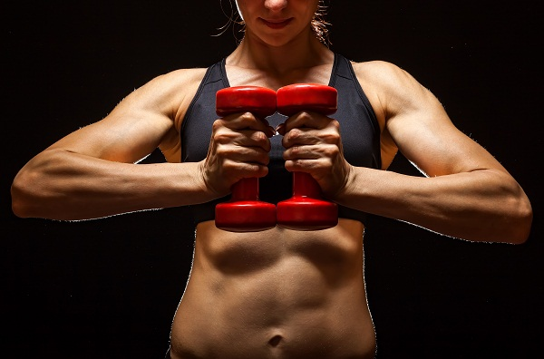 woman-with-flat-abs