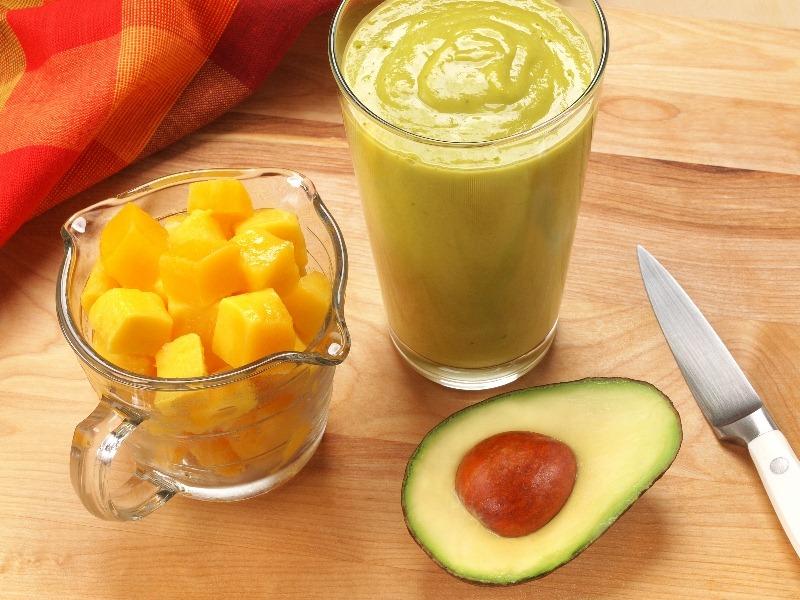 smoothie de manga com abacate