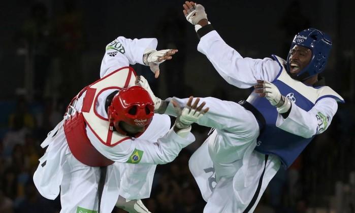 Maicon Siqueira derrota britânico e conquista bronze no taekwondo