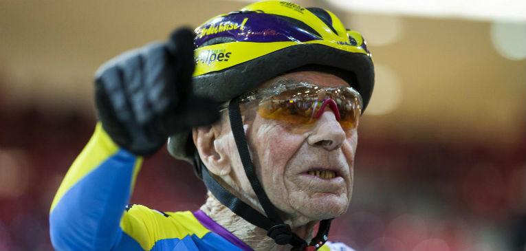 Ciclista francês bate recorde aos 105 anos